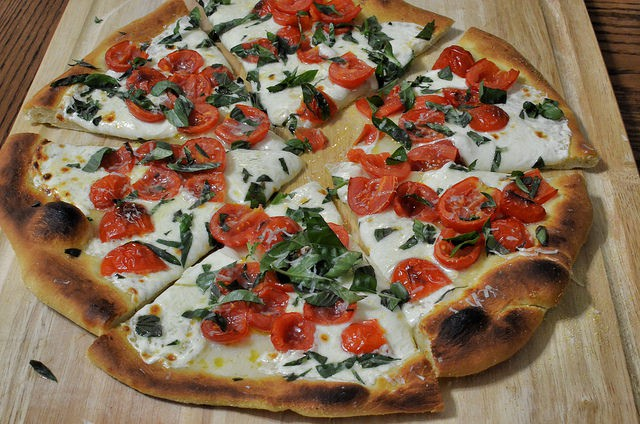 Cafe SiTALY: Grab a Slice of the Grandmom Pizza Near Meetinghouse
