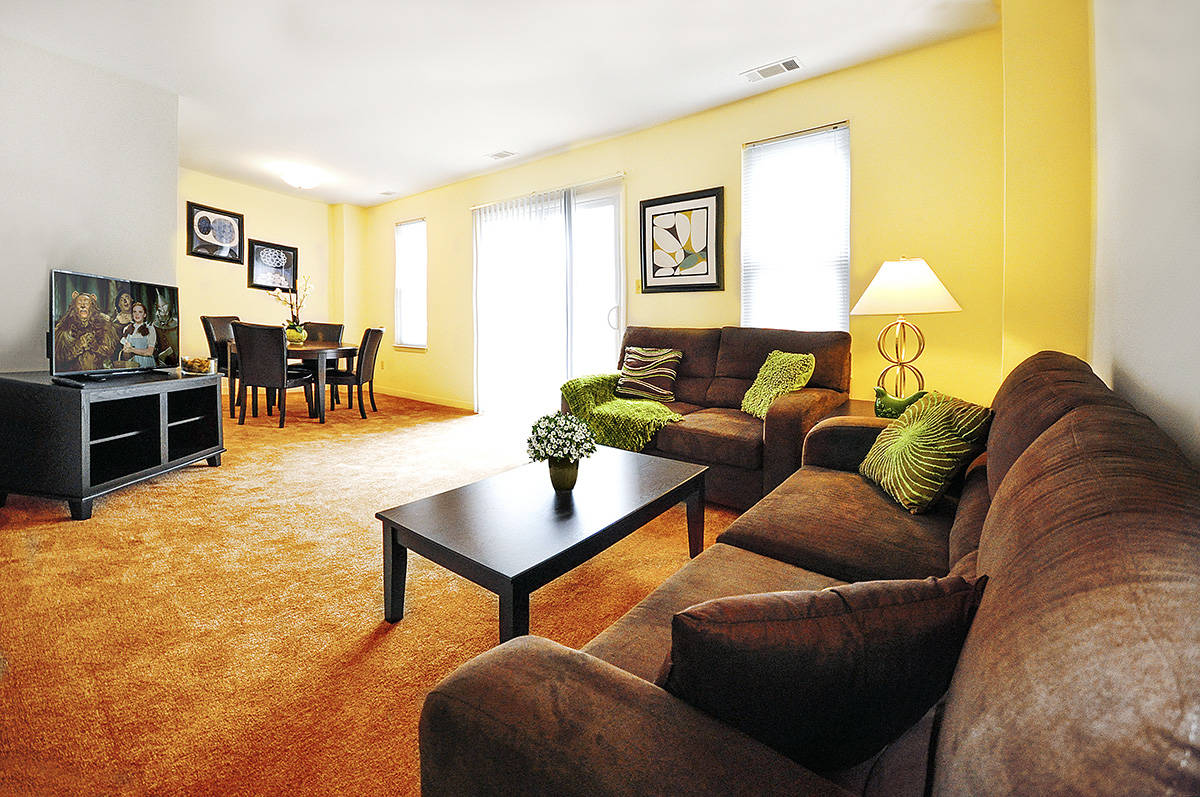 meetinghouse apartment Click to view reviews, photos, and pricing for meetinghouse apartments - milwaukee, wi or call.