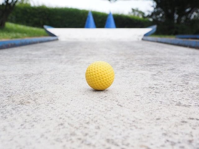 Enjoy an Educational Round of Indoor Mini Golf at Linvilla Orchards